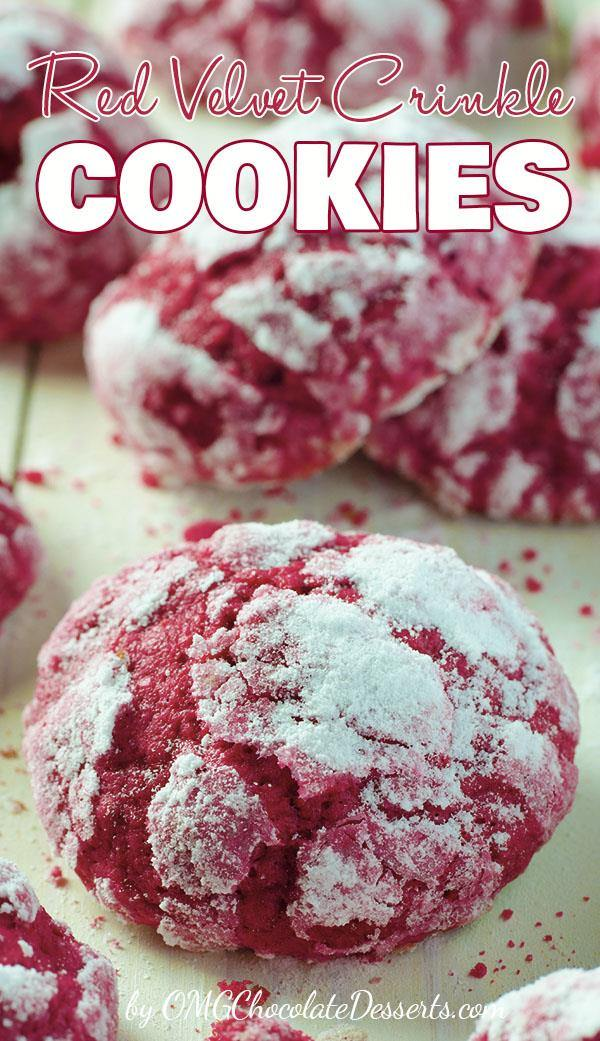 If you are looking for a delicious Christmas cookies recipe, these Red Velvet Crinkle Cookies will surely not leave you indifferent. Soft and gooey, with their beautiful red color, these cookies are the real choice for a cookie exchange and also for a Valentine's day dessert recipe.