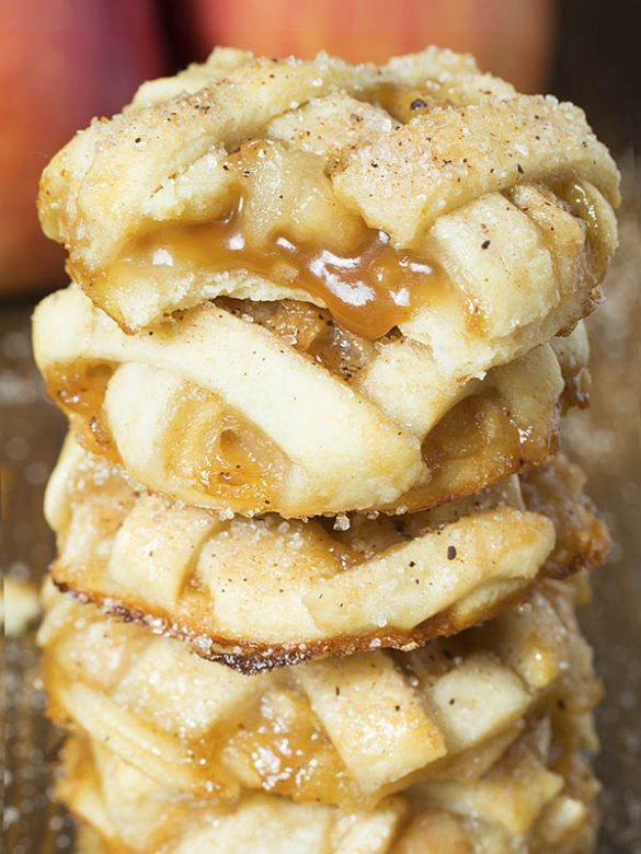 Bunch of Caramel Apple Pie Cookies