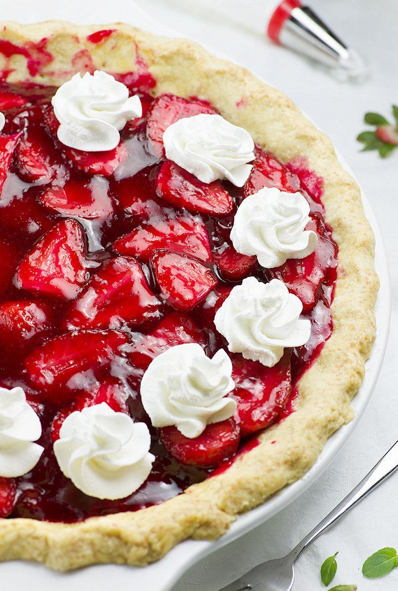 Strawberry Dessert Recipes Looking for strawberry dessert recipes? Allrecipes has more than trusted strawberry dessert recipes complete with ratings, reviews and serving tips.