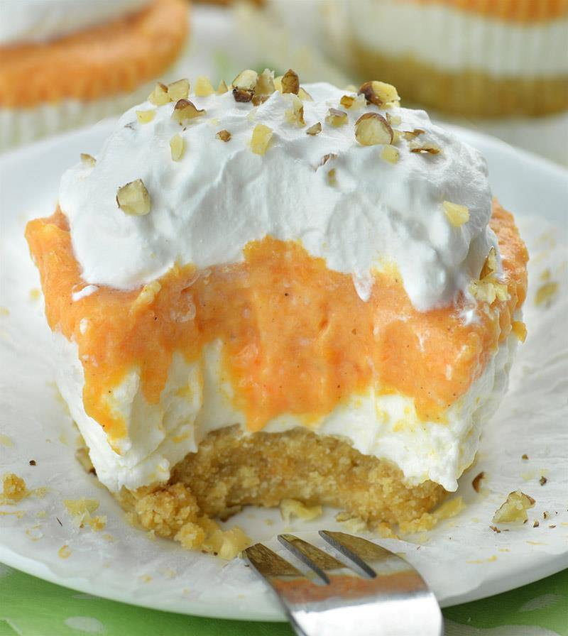 Pumpkin Lasagna Cupcakes – individual portion of DELICIOUS and EASY, NO BAKE PUMPKIN DESSERT!