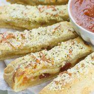 Easy Cheesy Pizza Breadsticks