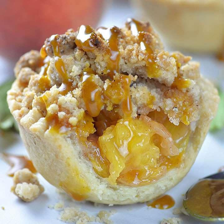 Crumble Mini Peach Pie