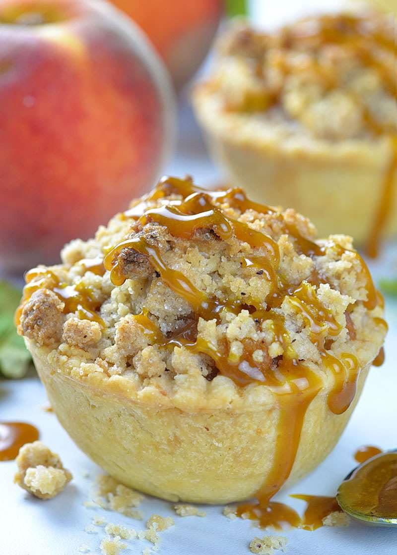 Crumble Mini Peach Pie | OMG Chocolate Desserts