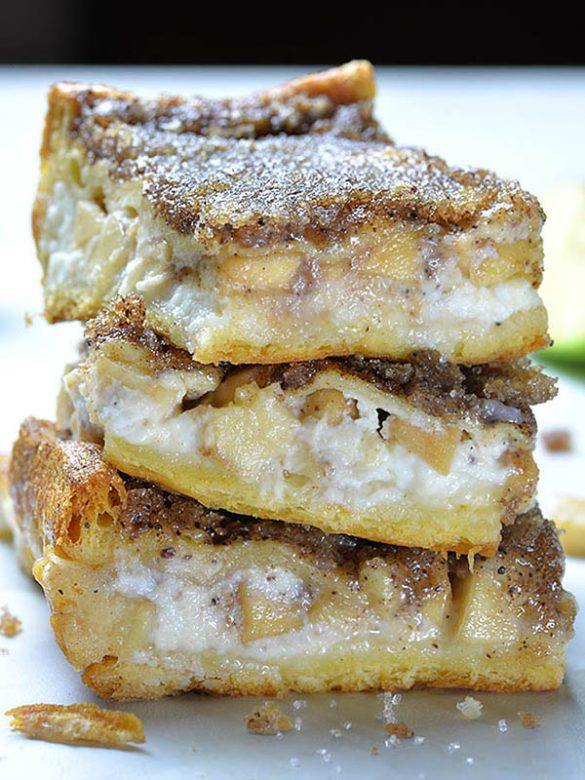 Easy Apple Cheesecake Bars