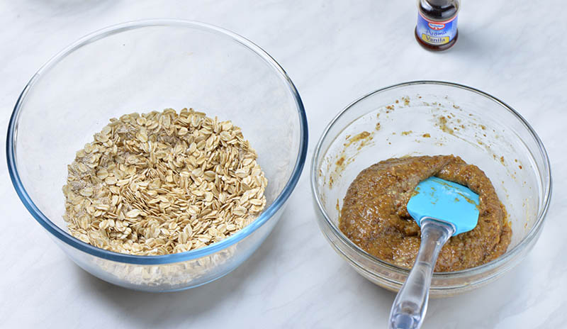 Chocolate Peanut Butter Oatmeal Cookies preparation step 1.
