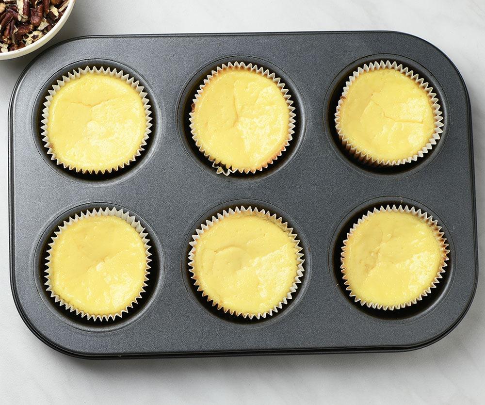 Mini Pecan Pie Cheesecakes - preparation step 2